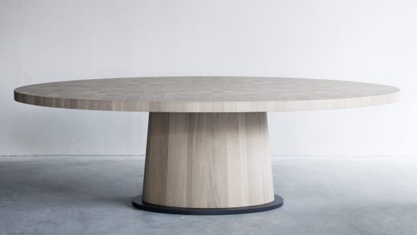 Kops Oval Table